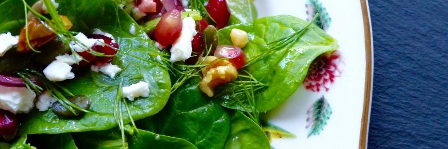 Spinach, walnut, pomegranate and feta salad